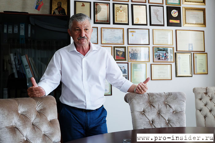 Никос Канулас