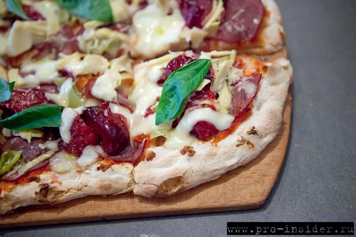 Пицца карпаччо со сливой