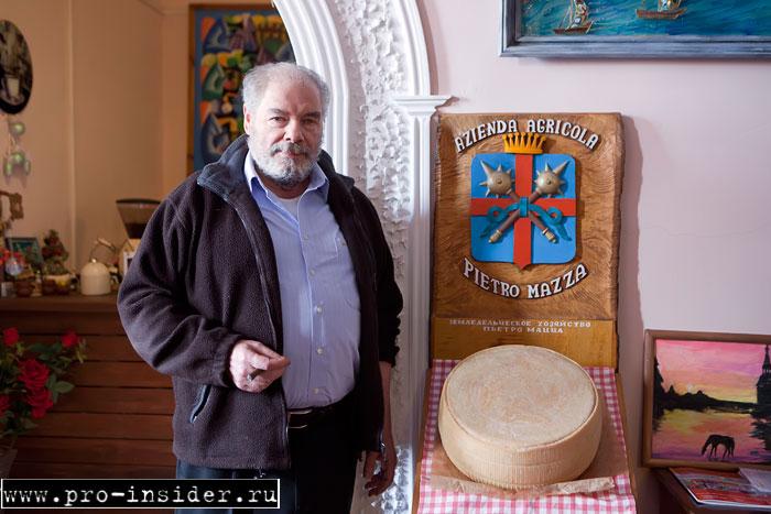 Пьетро Мацца и его фамильный герб