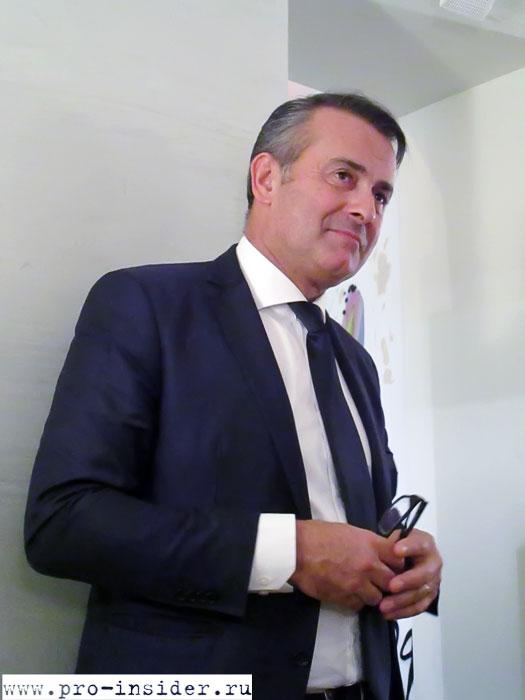 Филипп Магрэ. Bernard Magrez