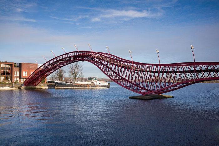 Мост Питон / Амстердам / Нидерланды